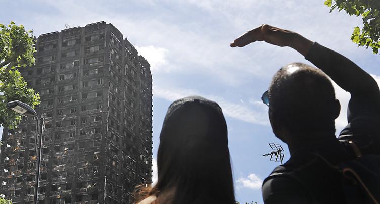 Incendie de la tour Grenfell: 800 appartements évacués immédiatement