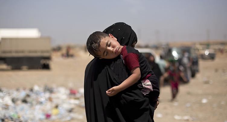 Un kamikaze sème la mort parmi des civils fuyant le Vieux Mossoul