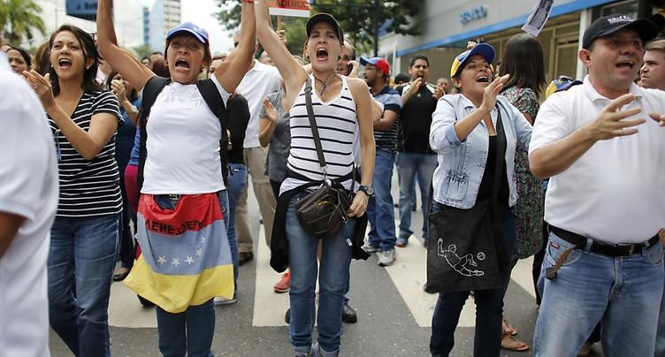 Après un 75e mort, les manifestations continuent au Venezuela