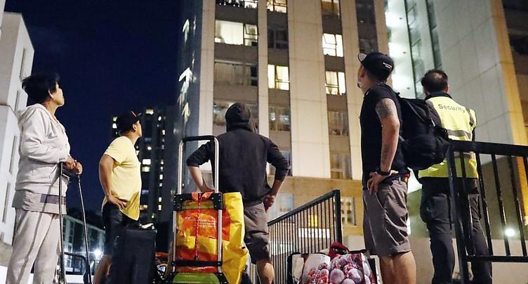 Soixante tours jugées dangereuses, 4000 Londoniens évacués