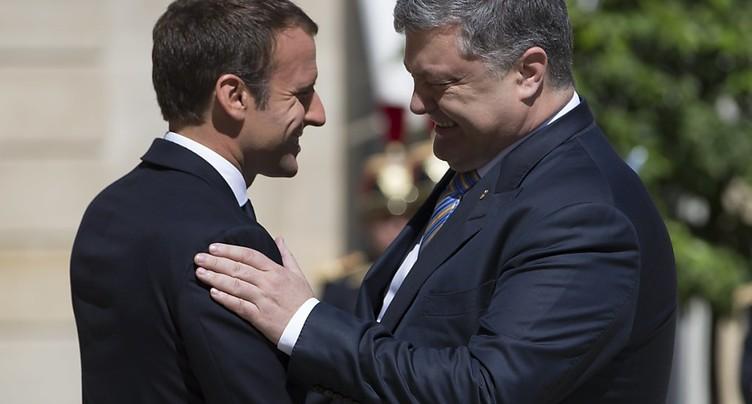Macron écarte pour l'heure toute alternative aux accords de Minsk