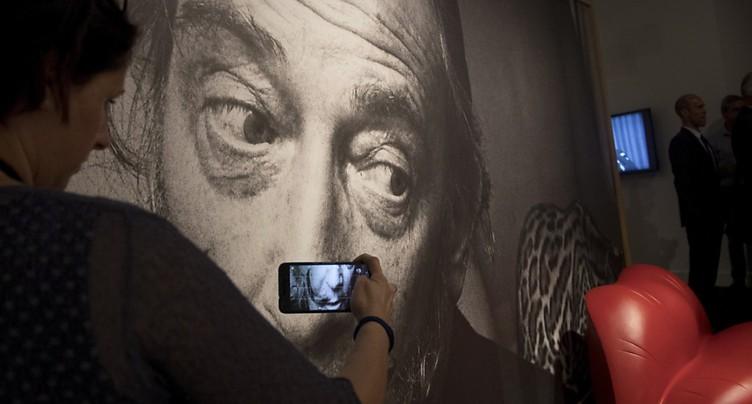 Exhumation de Dali ordonnée après une demande en paternité