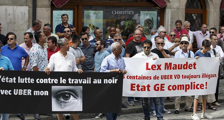 Les chauffeurs de taxi genevois demandent l'application de la loi