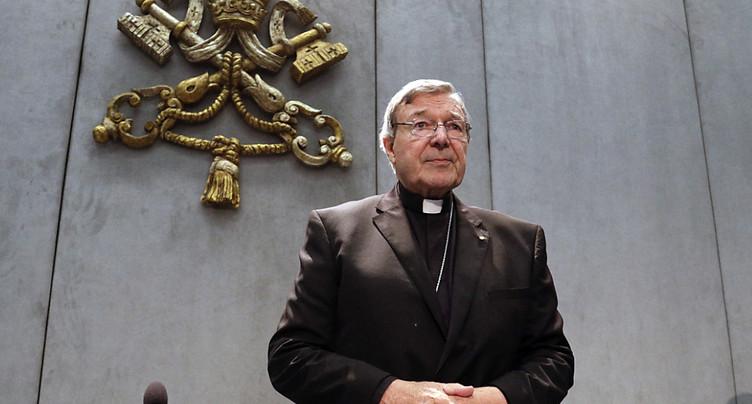 Australie: le numéro trois du Vatican inculpé pour abus sexuels