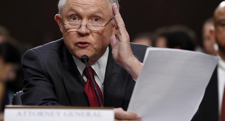 Affaire russe: Trump regrette d'avoir nommé Sessions à la Justice