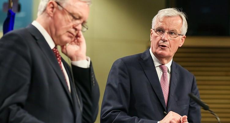 Barnier veut des « clarifications » de Londres