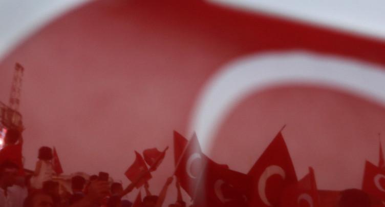En Turquie, porter un t-shirt « héros » peut conduire en prison