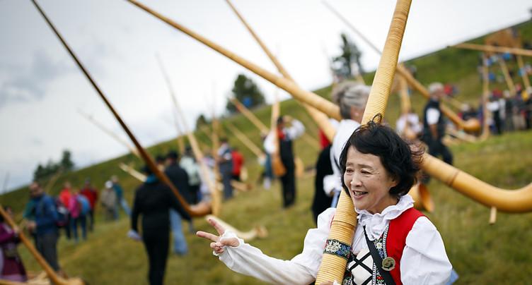 Affluence au 16e Festival de cor des Alpes de Nendaz (VS)