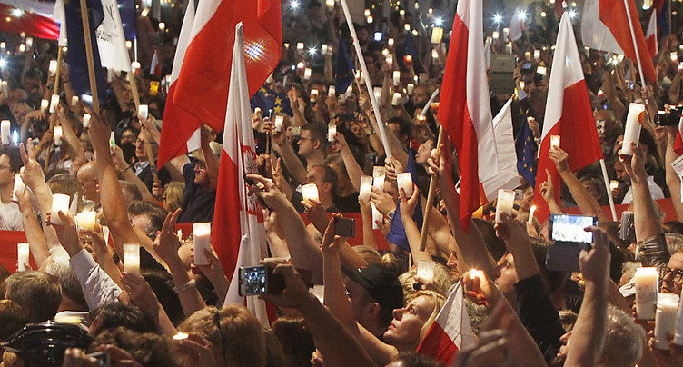 Le président polonais oppose son veto à la loi sur la Cour suprême