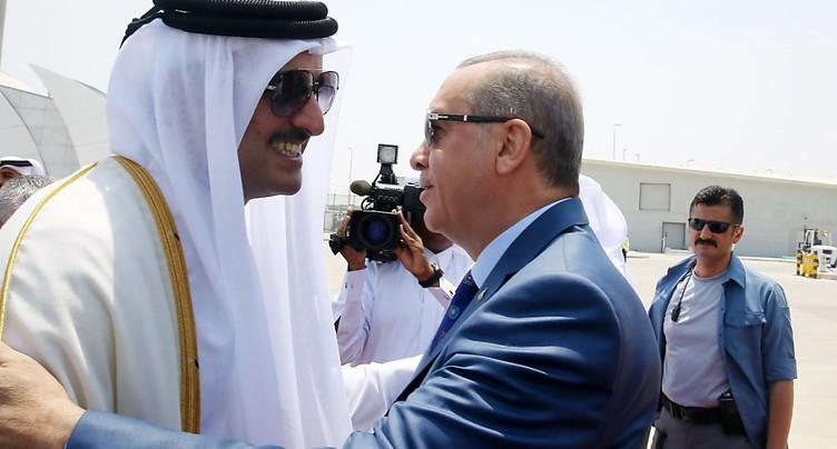 Arrivée au Qatar du président turc, en tournée dans le Golfe