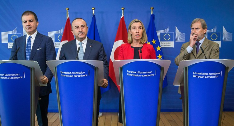 La Turquie « reste » un pays candidat à l'UE, assure Mogherini