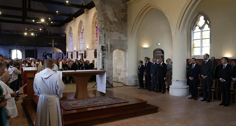 Hommage au père Hamel en France, assassiné il y a un an par des djihadistes