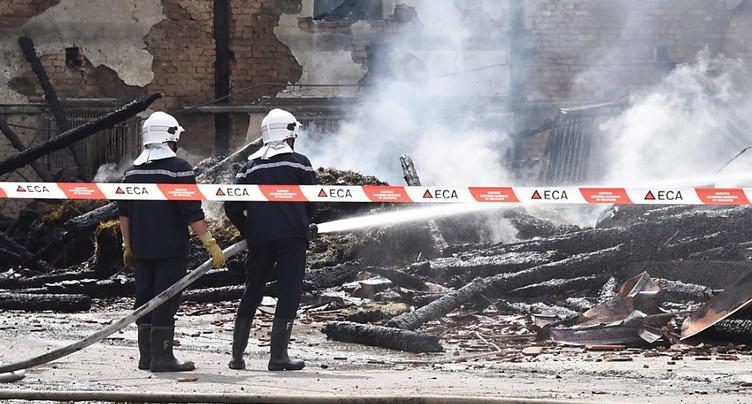 Le suspect de incendies d'Avenches reste en prison