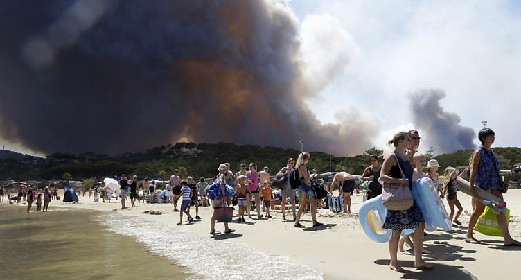 France: trois personnes en garde à vue après les feux du Sud-Est