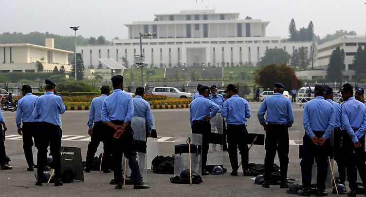 La Cour suprême appelle à la destitution de Nawaz Sharif