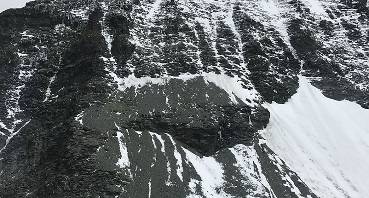 Un alpiniste étranger se tue en Valais