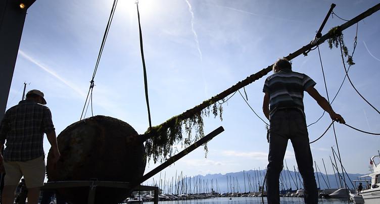 Ouchy: un mât flottant disparu remonte à la surface