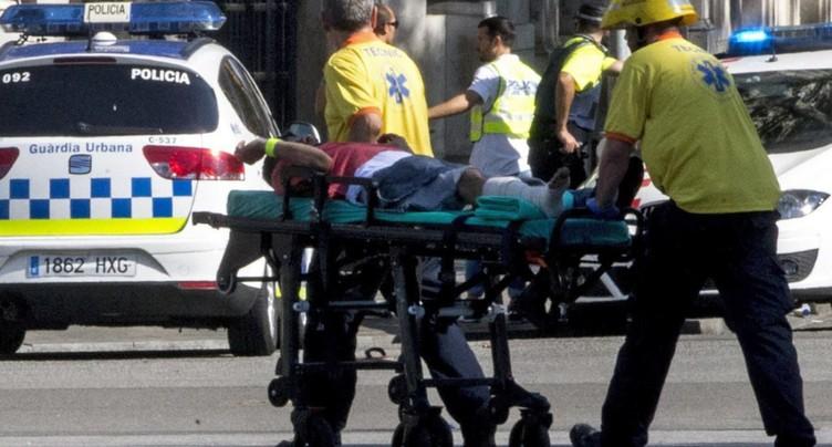 Attentat à Barcelone: 13 morts, 2 arrestations, chauffeur en fuite
