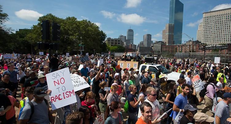 Des milliers de manifestants contre le racisme à Boston