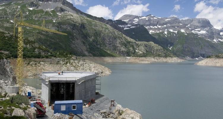 Plusieurs grandes centrales de pompage-turbinage prennent du retard