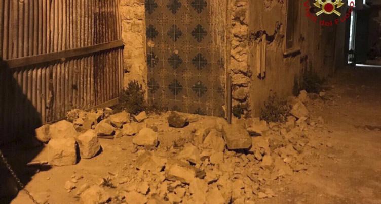 Séisme sur l'île d'Ischia en Italie: un mort et 25 blessés