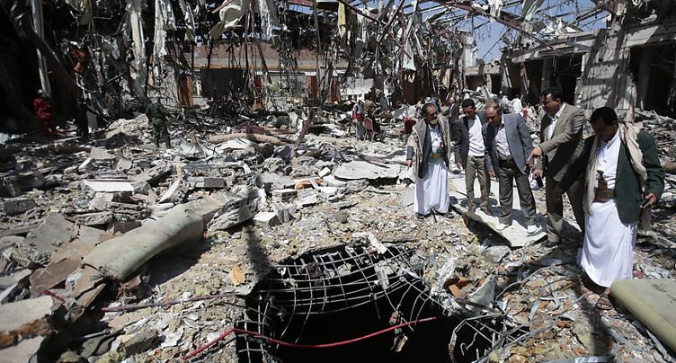 Trente morts dans une frappe aérienne contre un hôtel au Yémen