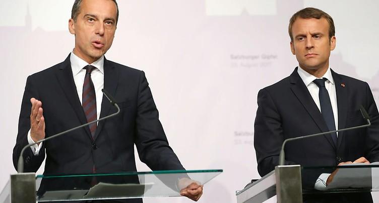 Macron débute en Autriche une tournée axée sur le travail détaché
