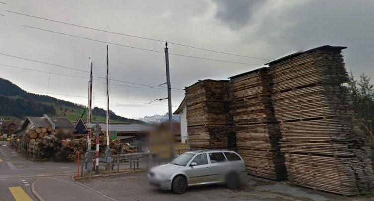 Scierie en feu à Sattel (SZ): ligne ferroviaire interrompue