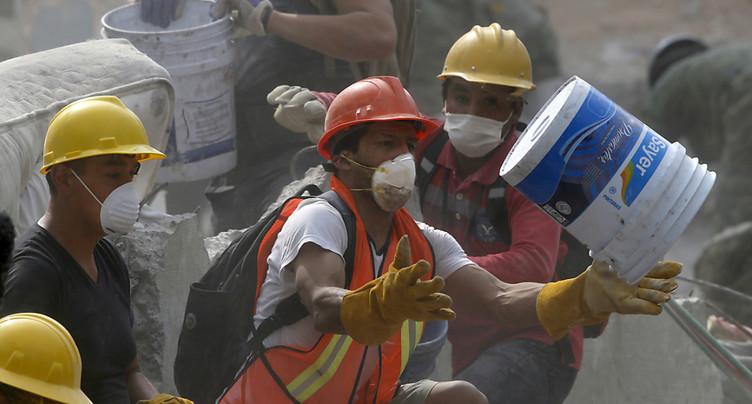 Les recherches se concentrent sur 10 immeubles à Mexico: 273 morts