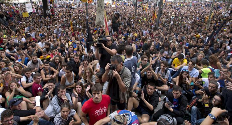 Référendum: les indépendantistes catalans restent mobilisés