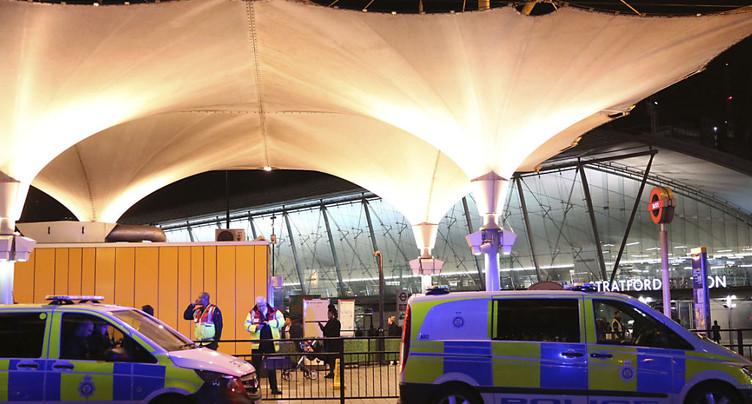 Cinq personnes blessées dans une attaque à l'acide à Londres
