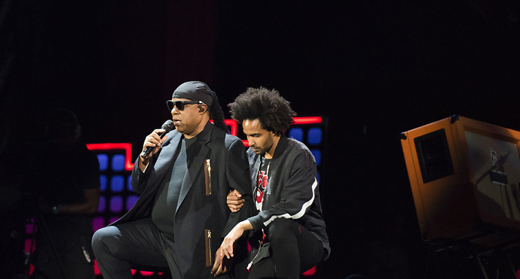 Concert: Stevie Wonder à genoux « pour l'Amérique »