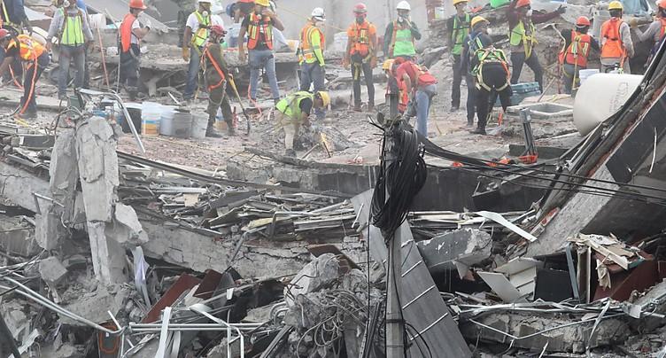 Une semaine après le séisme, Mexico cherche encore des survivants