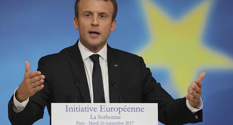 Emmanuel Macron propose de renforcer l'Europe de la défense