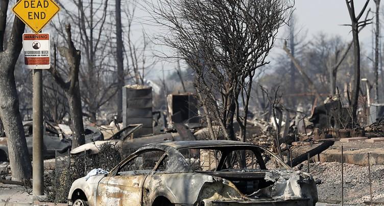 De « bons progrès » des pompiers en Californie