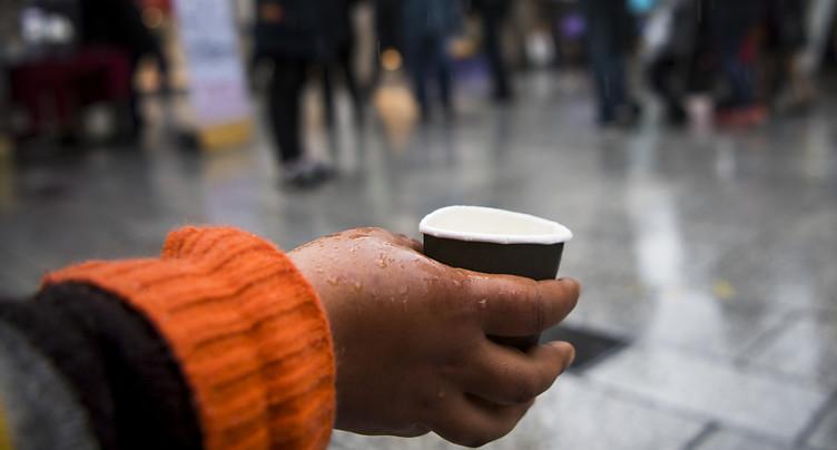 Les aides sociales réduisent la pauvreté de plus de moitié