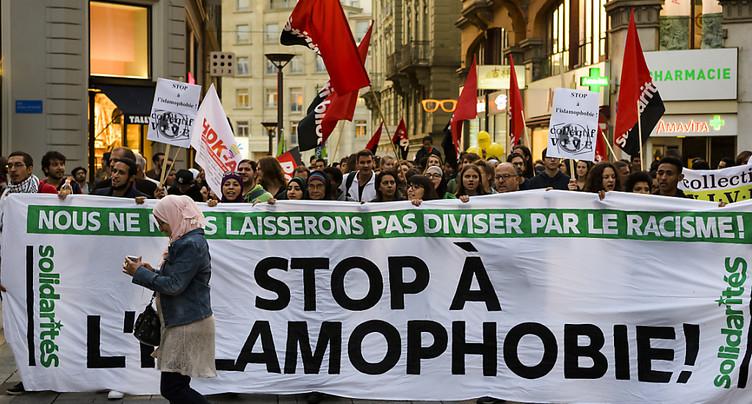 Plus de 500 personnes manifestent contre l'islamophobie à Lausanne