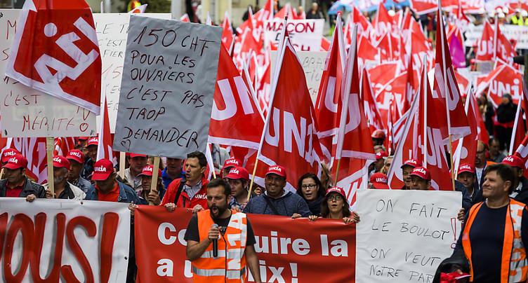Des milliers de maçons dans la rue pour 150 francs d'augmentation