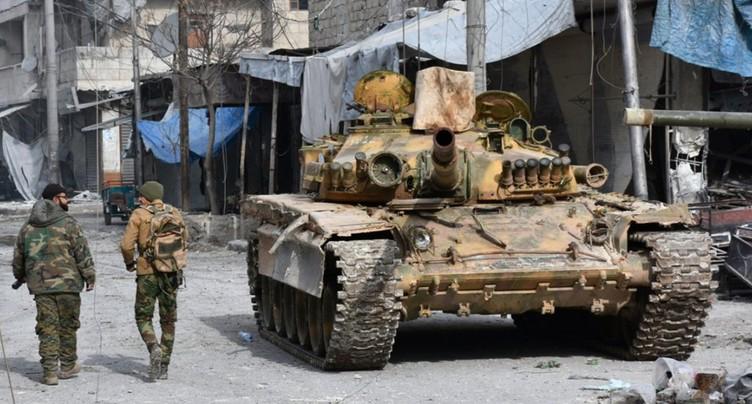 L'EI, qui a perdu une nouvelle ville syrienne, toujours plus acculé