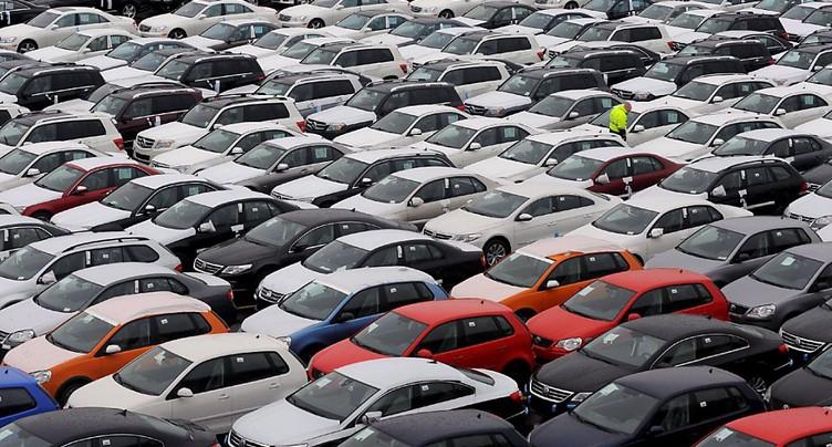 Inspections de l'UE chez Daimler et VW pour une affaire de cartel