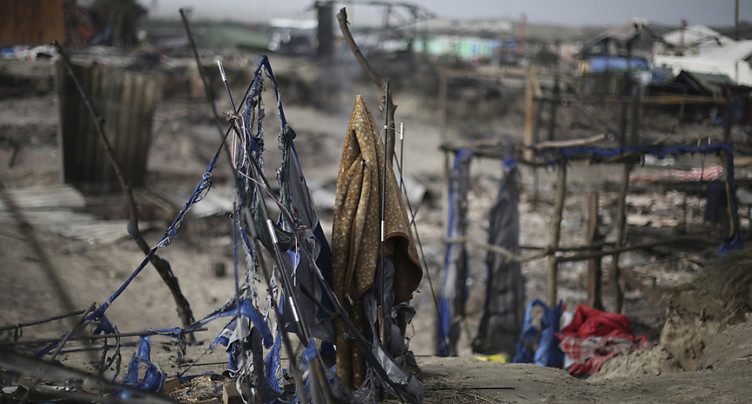Calais: un rapport officiel épingle les abus des forces de l'ordre