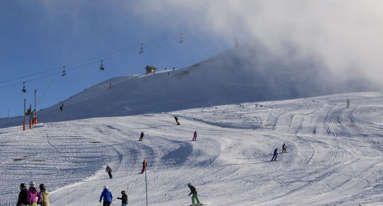 De nombreux domaines skiables valaisans ouvraient ce week-end