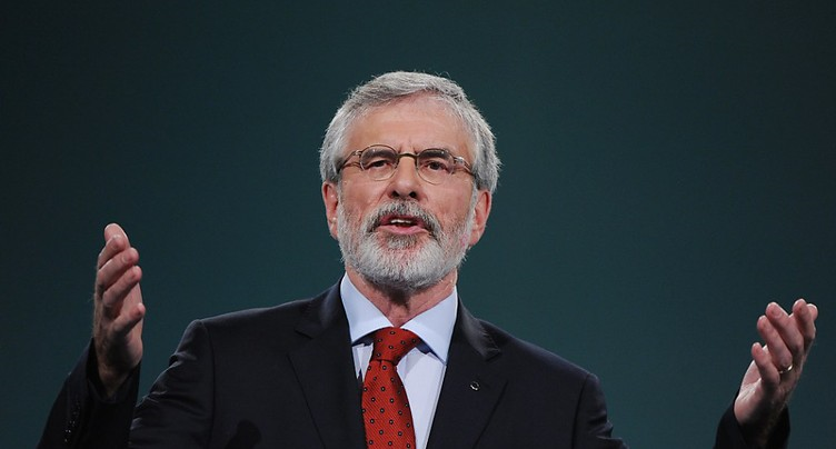 Gerry Adams démissionne de la présidence du Sinn Féin irlandais
