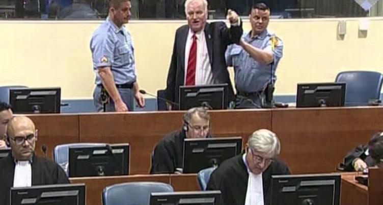 Mladic condamné à la perpétuité pour crimes de guerre et génocide