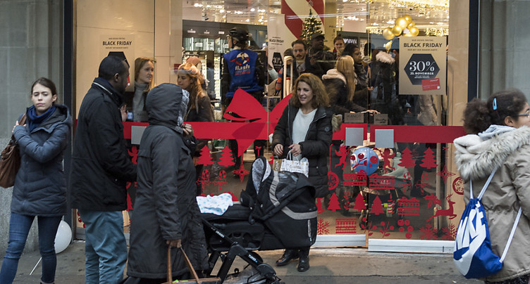 Le Black Friday fait de plus en plus d'adeptes en Suisse