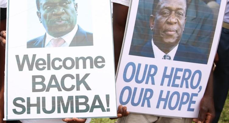 L'ex-vice-président zimbabwéen Emmerson Mnangagwa est rentré d'exil