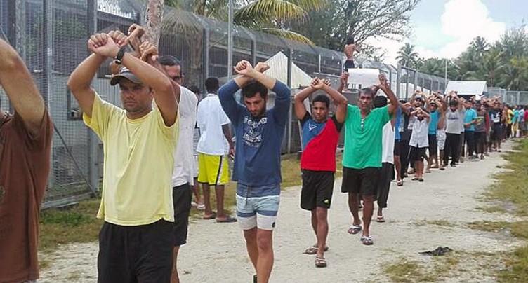 La police papouasienne intervient dans le camp australien de Manus