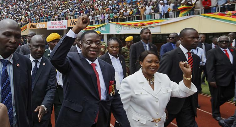 Le nouveau président Mnangagwa succède officiellement à Mugabe