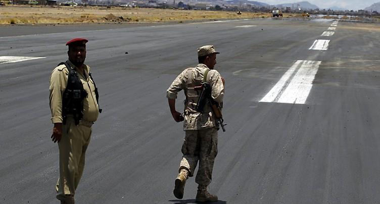 Plusieurs avions d'aide humanitaire débarquent au Yémen