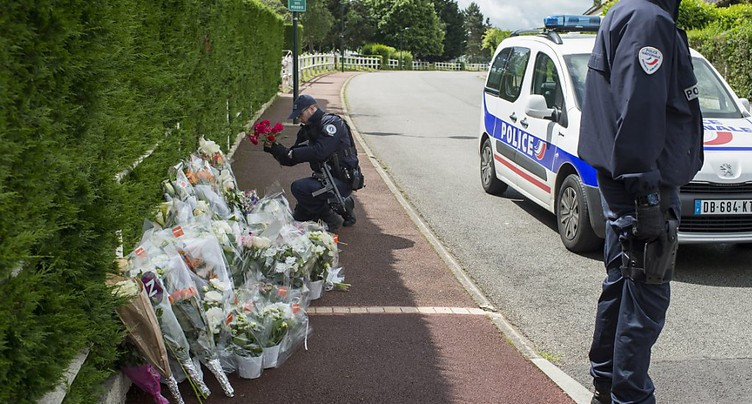Assassinat djihadiste de policiers en France: une arrestation